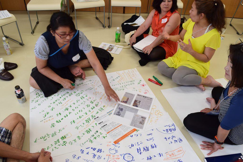バリュードリブンの組織について、まんまるママいわて・りぷらすとアメリカからの参加者で議論 (Photo by Shinya Sotowa)